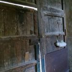 Puerta de la bodega